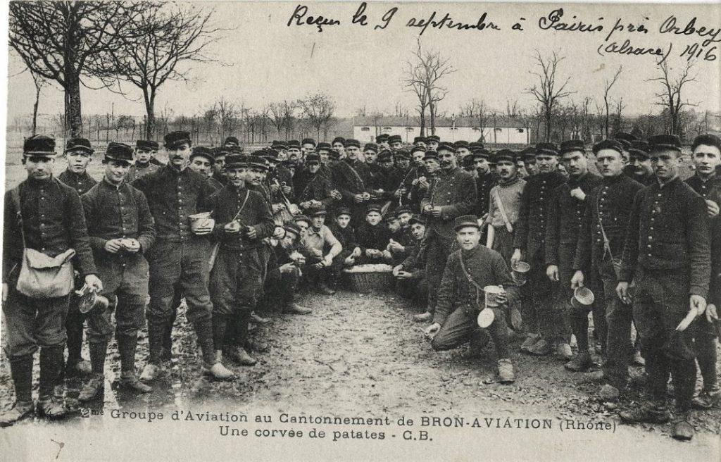 Cantonnement du 2ème groupe d'aviation - (Source :Archives SLHADA (Société  Lyonnaise d'Histoire de l'Aviation et de documentation Aéronautique)