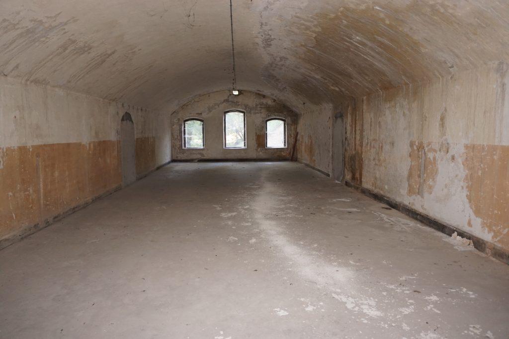 Casemate logement utilisée pour une chambrée de la troupe du Fort de Bron