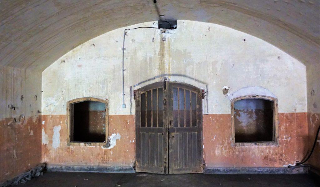 Chambrée du casernement du cavalier du Fort de Bron