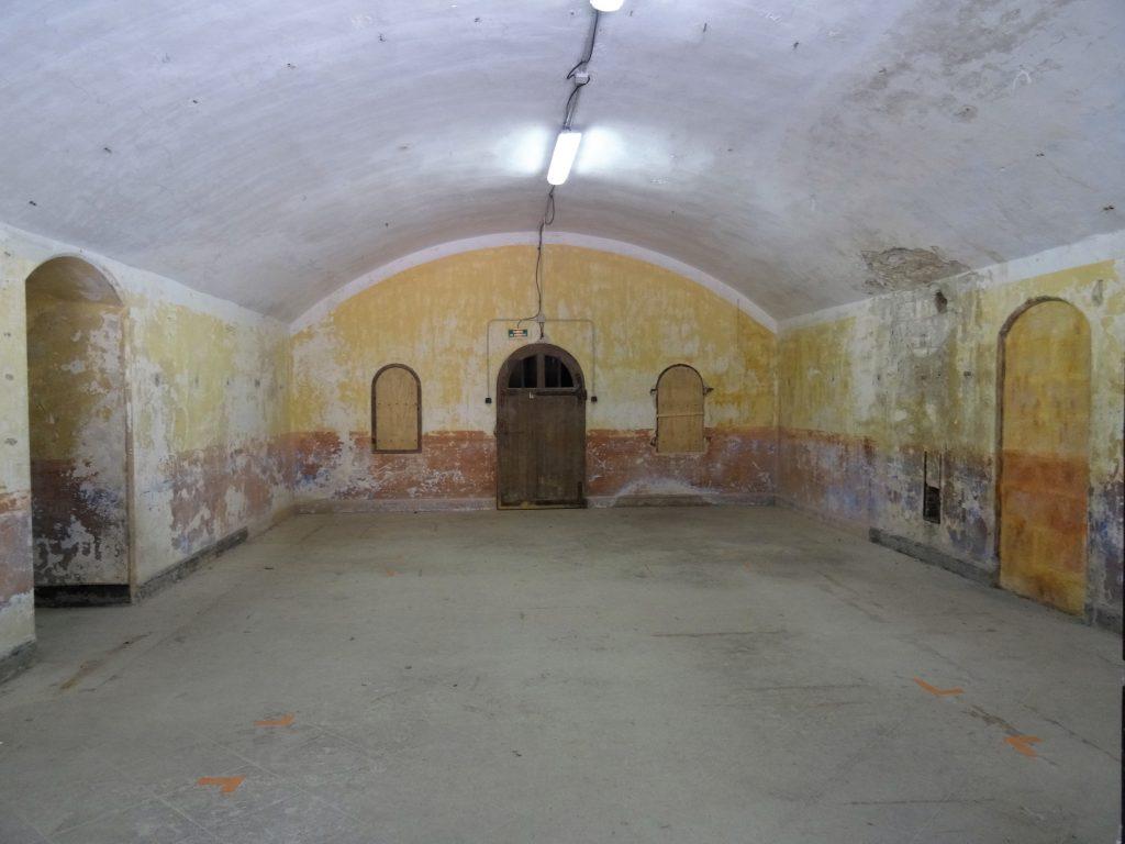 une casemate du casernement du parados au Fort de Bron.