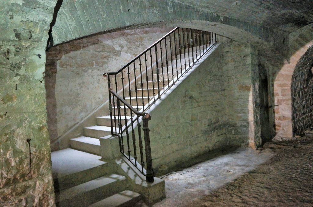 escalier permettant l'accès aux chambrées
