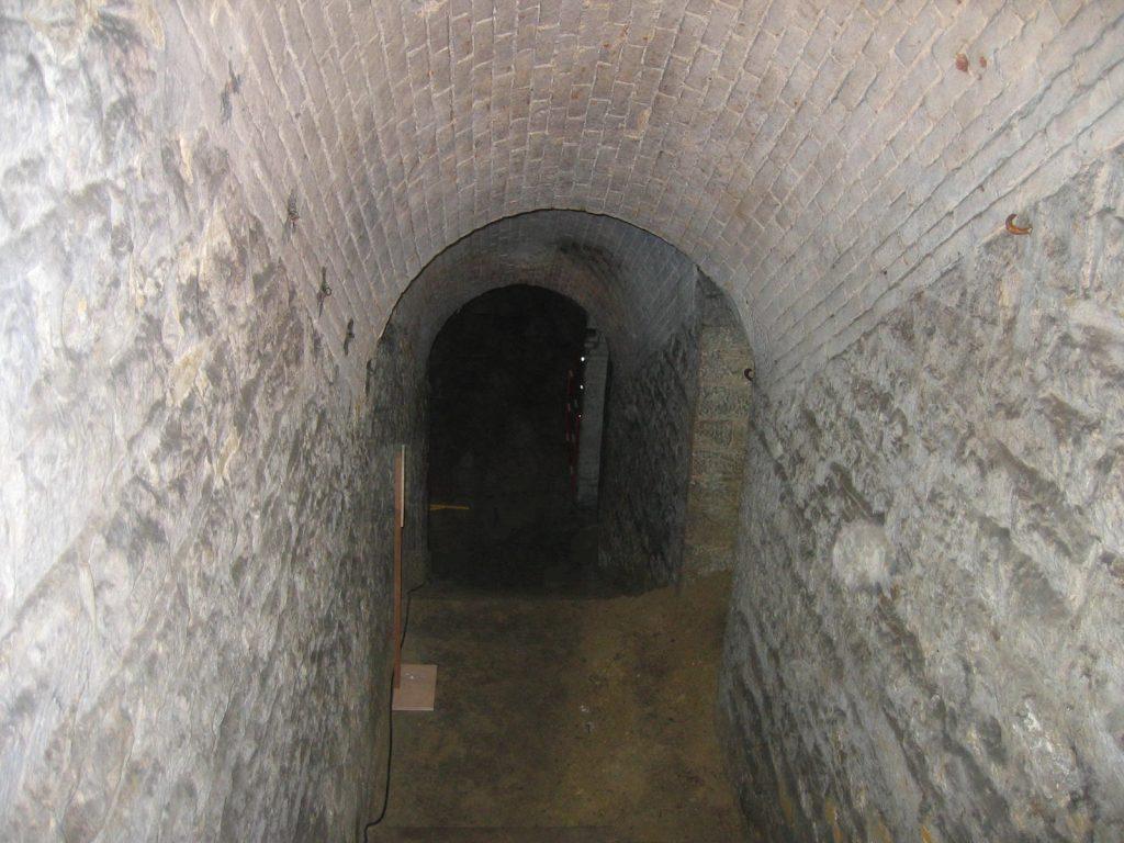 Intérieur de la batterie annexe de Parilly