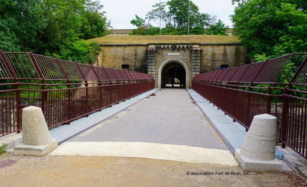 Die ruhende Brücke von Fort de Bron